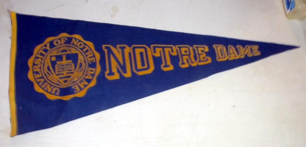 OLD UNIVERSITY OF NOTRE DAME FIGHTING IRISH 36 INCH SOFT WOOL PENNANT