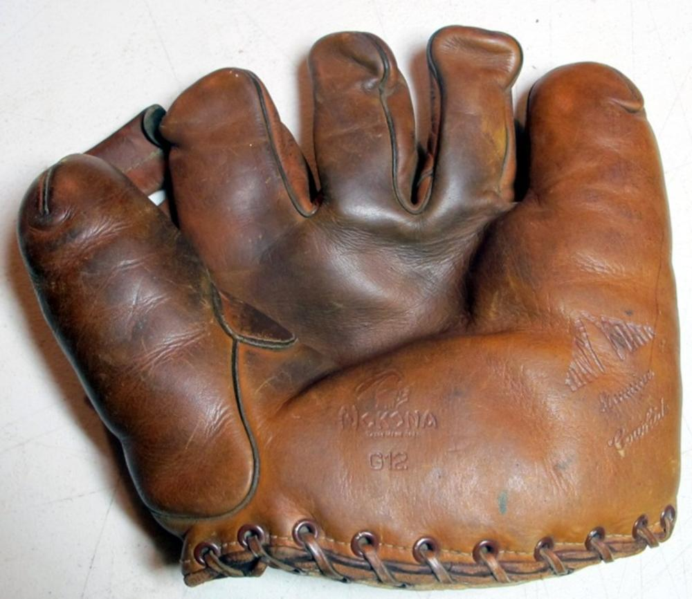 1940'S NOKONA TONY YORK BASEBALL FIELDERS GLOVE SPLIT FINGER RHT MINOR LEAGUE