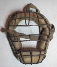 Lot 73: OLD WALLHANGER WIRE CAGE LEATHER BASEBALL CATCHERS MASK WITH STRAP