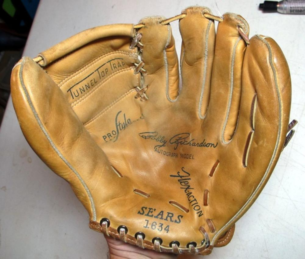 1960'S SEARS USA BOBBY RICHARDSON NY YANKEES BASEBALL FIELDERS GLOVE RHT NICE