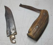 Lot 153: 3 DIFF OLD BONE STAG HANDLE HUNTING KNIFE INC UNUSUAL FOLDING