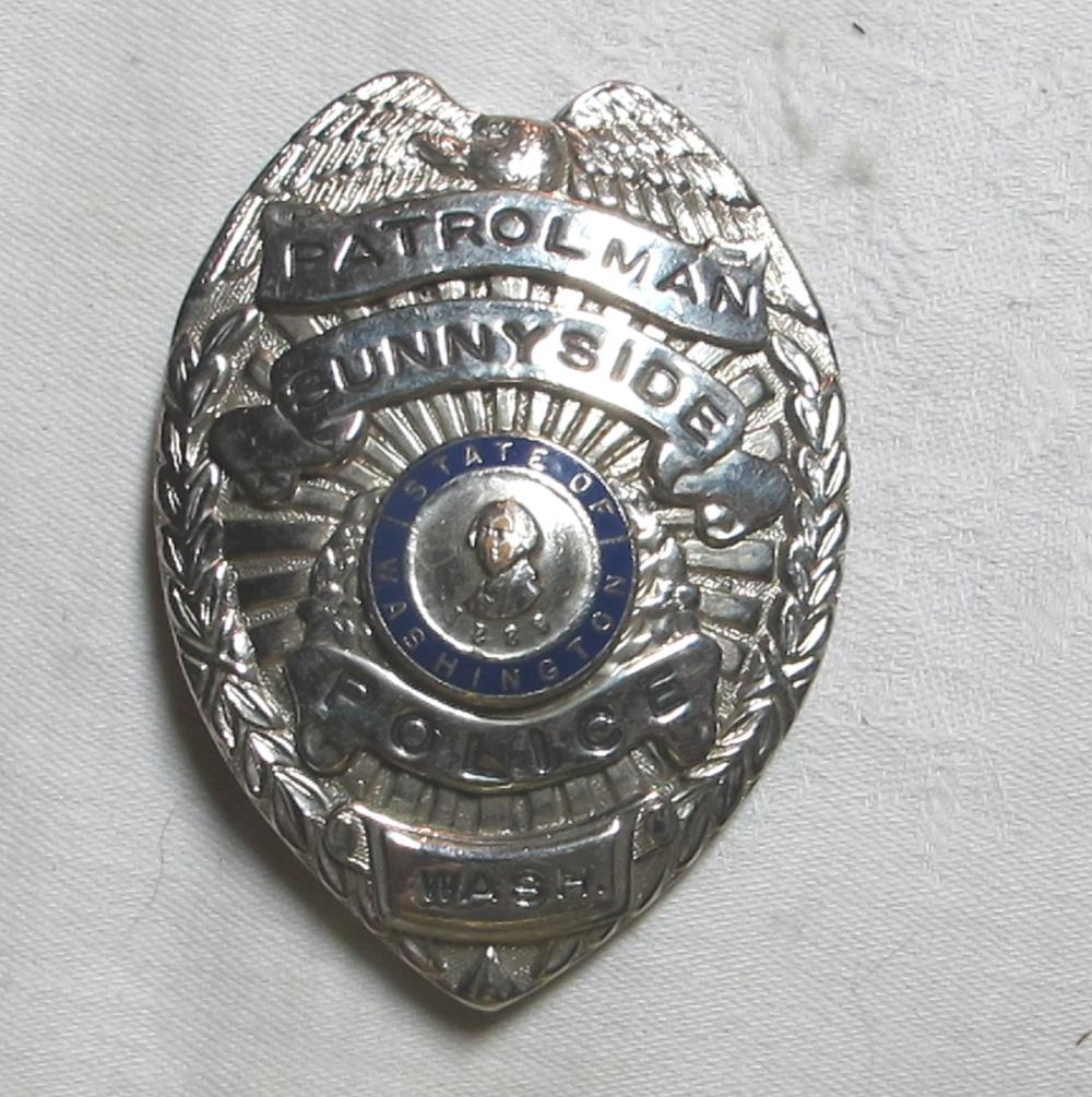 OBSOLETE OLD SUNNYSIDE WASHINGTON PATROLMAN POLICE OFFICER BADGE
