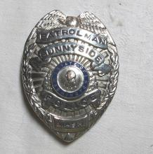 Lot 27: OBSOLETE OLD SUNNYSIDE WASHINGTON PATROLMAN POLICE OFFICER BADGE