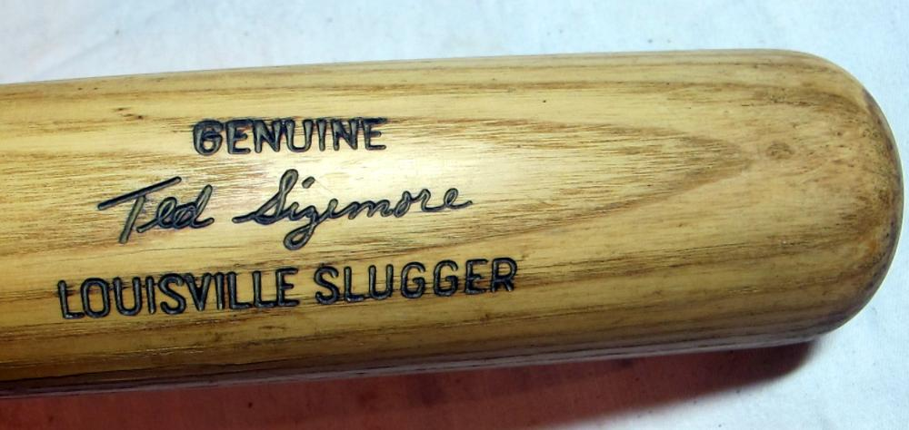 "Lot 68: TED SIZEMORE GAME MODEL 35"" LOUISVILLE SLUGGER BASEBALL BAT D143 GAMER ST LOUIS CARDINALS ROY"