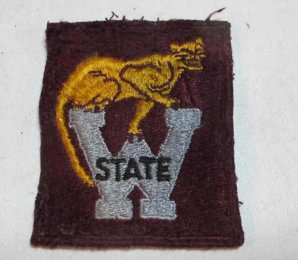 PRE WWII WASHINGTON STATE COUGARS FOOTBALL WSU UNIFORM JACKET PATCH RARE