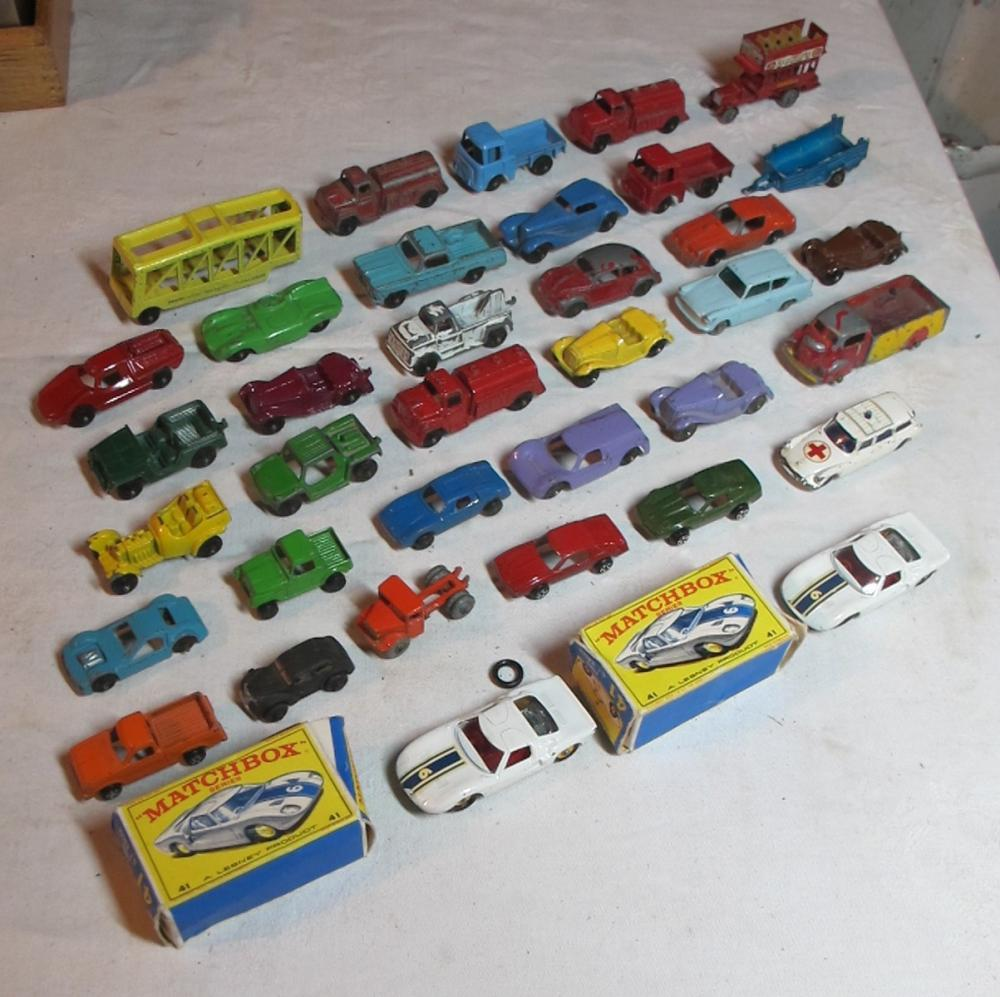 36 VINTAGE DIECAST TOY CARS TOOTSIETOY MATCHBOX TRUCKS 2 W/ BOX