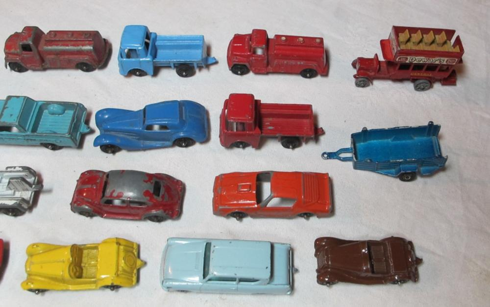 Lot 105: 36 VINTAGE DIECAST TOY CARS TOOTSIETOY MATCHBOX TRUCKS 2 W/ BOX