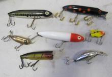 SEVEN ASSORTED VINTAGE HEDDON PLASTIC FISHING LURES CHUGGER SPOOK ZARA SONIC ETC.