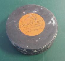 RARE OFFICIAL POLYSAR BUTYL HOCKEY PUCK GRIFFITH & SONS ONTARIO 1950'S TEST