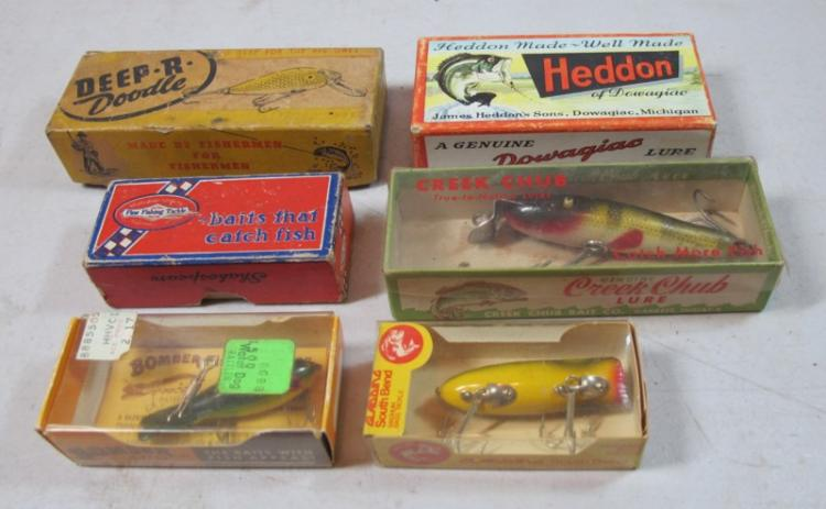 6 VINTAGE FISHING LURES IN ORIGINAL BOXES HEDDON SOUTH BEND BOMBER SHAKESPEARE CHUB