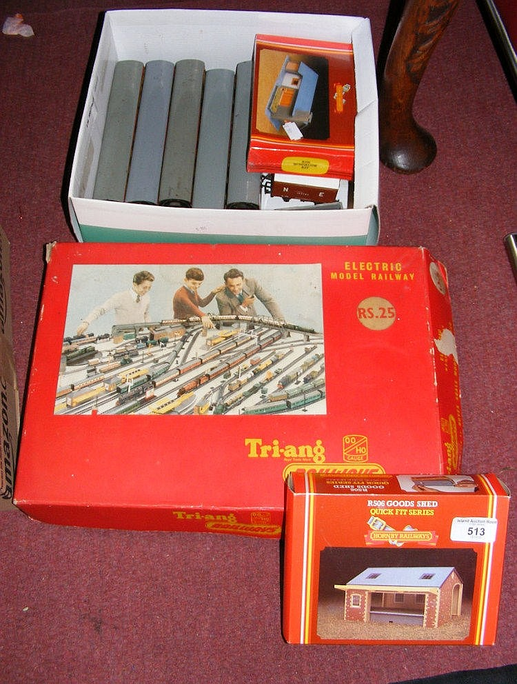 Tri-ang model train set, together with carriages