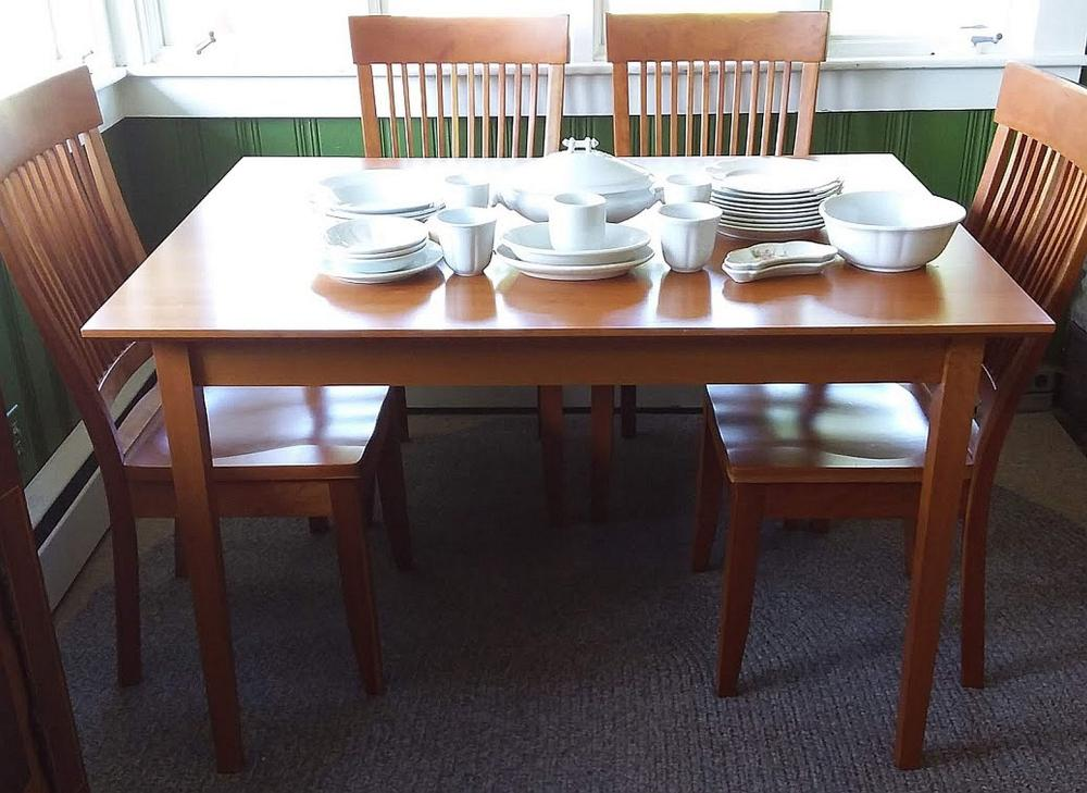 Modern Contemporary Stickley Style Table w/4 Chairs