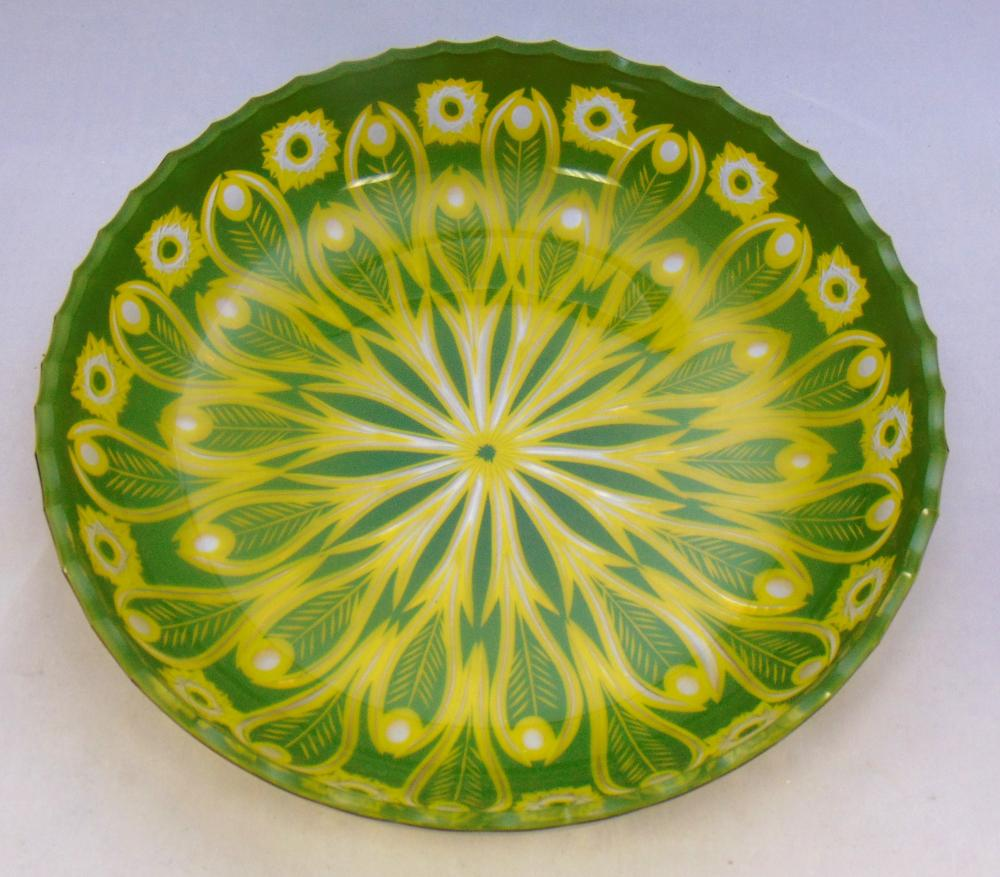 Large cut to clear center bowl