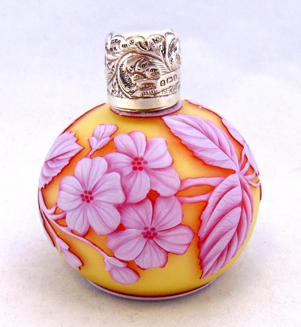 Webb three color cameo perfume