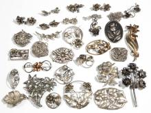 ASSORTED ANTIQUE / VINTAGE STERLING SILVER COSTUME JEWELRY, LOT OF 36