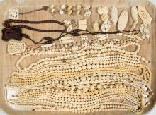 ASSORTED ANTIQUE / VINTAGE CARVED BONE COSTUME JEWELRY