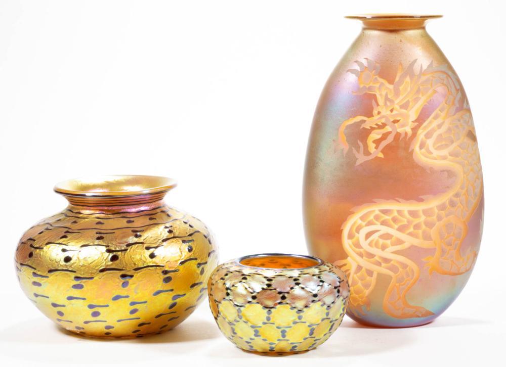 LUNDBERG STUDIOS INDIAN BASKET IRIDESCENT STUDIO ART GLASS VASES, LOT OF TWO