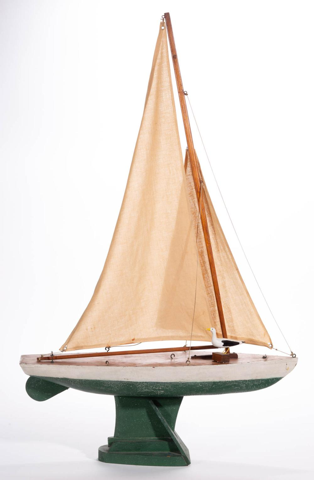 AMERICAN CARVED AND PAINTED WOOD POND / SAILBOAT MODEL