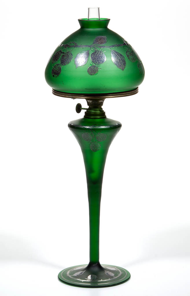 VICTORIAN DECORATED BLOWN GLASS JUNIOR BANQUET LAMP