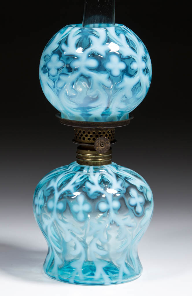 SPANISH LACE / OPALINE BROCADE MINIATURE LAMP