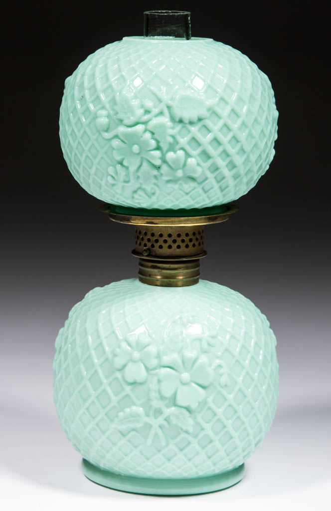 LATTICE AND FLORAL EMBOSSED MINIATURE LAMP
