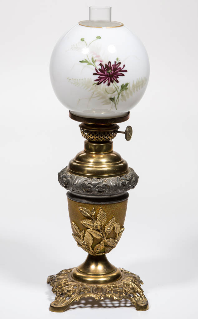 BRADLEY AND HUBBARD CAST METAL JUNIOR BANQUET VASE LAMP
