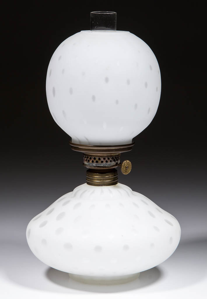 EMPRESS / RAINDROP AIR-TRAP MOTHER-OF-PEARL SATIN MINIATURE LAMP