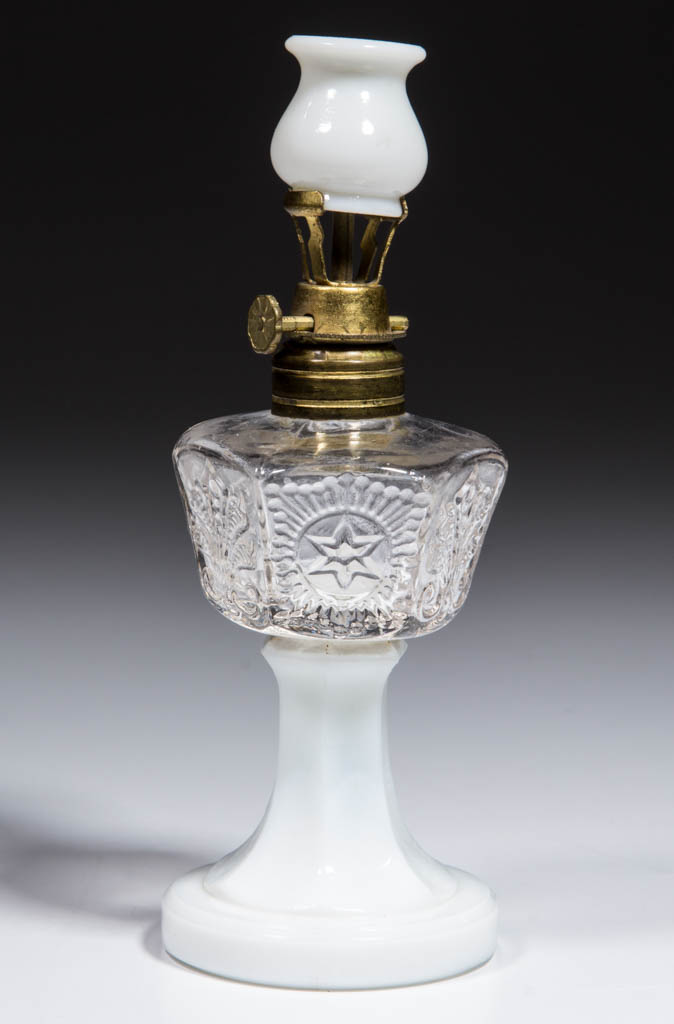 FLEUR-DE-LYS AND STAR MINIATURE STAND LAMP