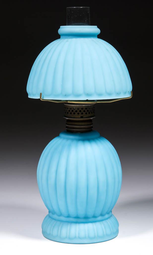 PEARL BABY MCKEE MINIATURE LAMP
