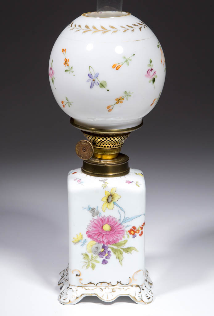 PORCELAIN DRESDEN-TYPE DECORATED JUNIOR LAMP