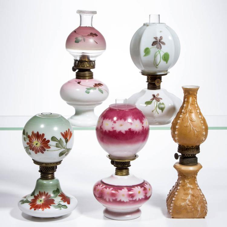 ASSORTED DECORATED OPAL MINIATURE LAMPS, LOT OF FIVE