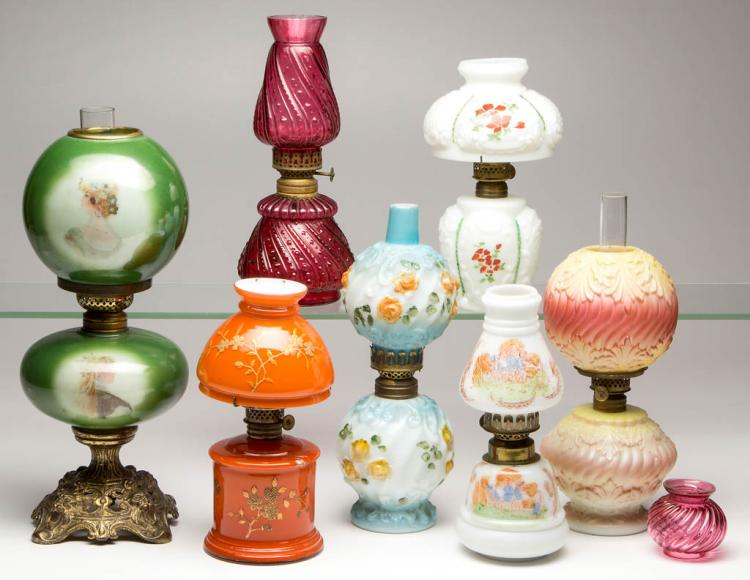 ASSORTED PATTERN MINIATURE LAMPS, LOT OF SEVEN