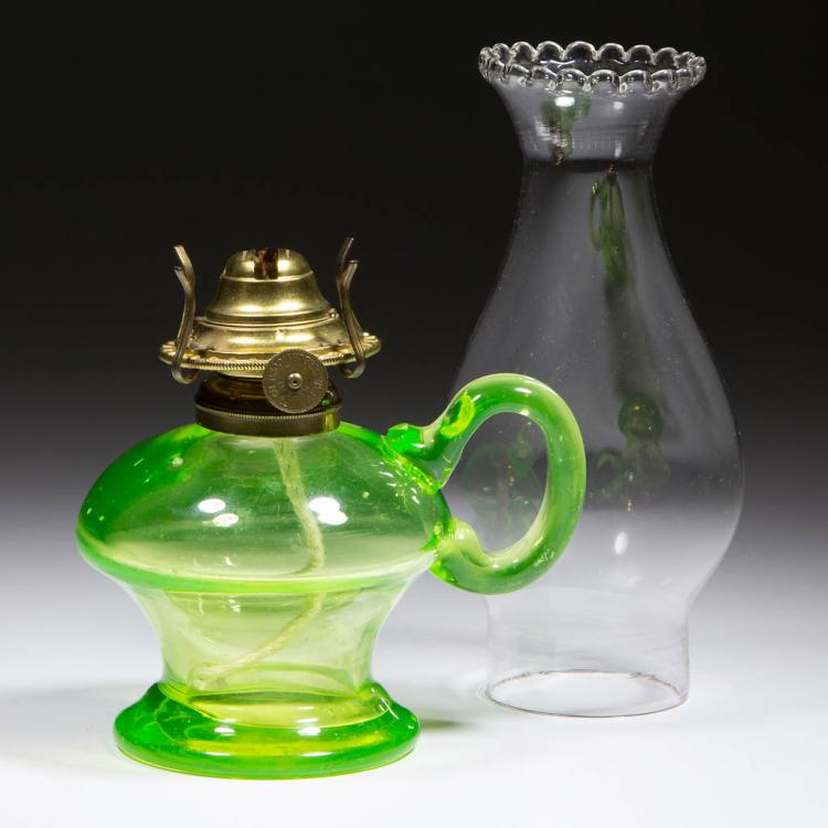 BLOWN-MOLDED KEROSENE FOOTED FINGER LAMP