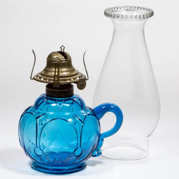 UNNAMED BLOWN-MOLDED ARCHES KEROSENE FINGER LAMP