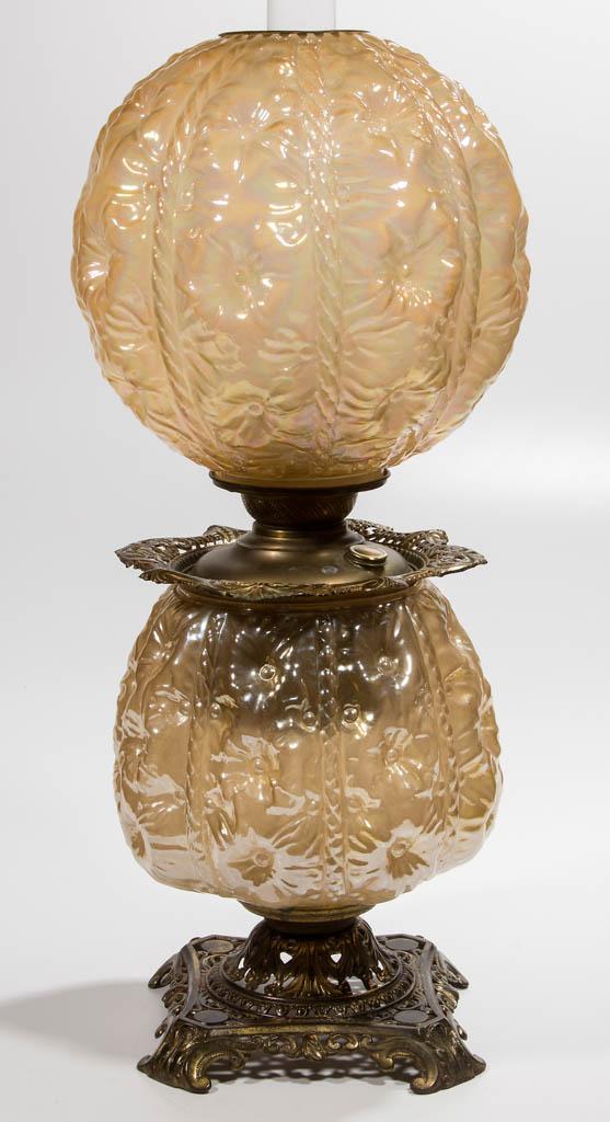 PITTSBURGH BUTTON TUFTED / SUNKEN HOLLYHOCK KEROSENE PARLOR LAMP