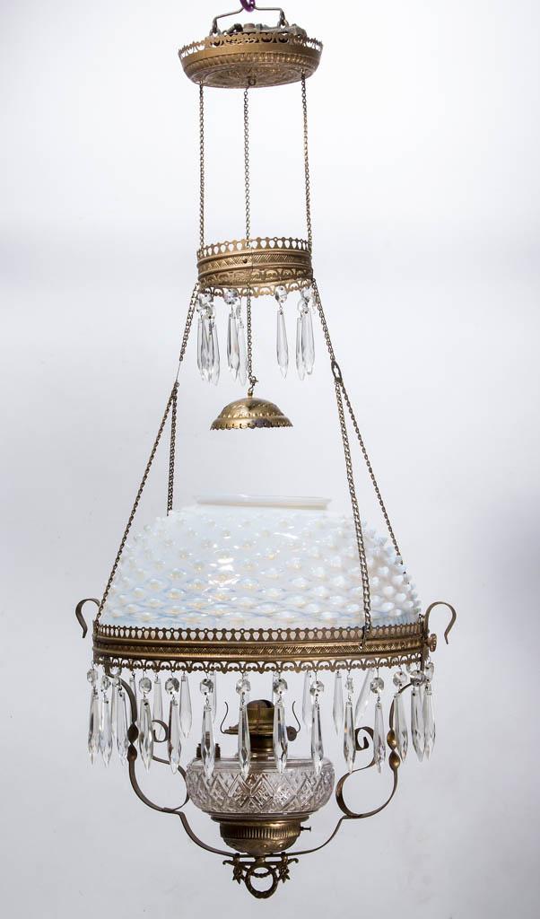 VICTORIAN HOBNAIL / DEW DROP BRASS KEROSENE HANGING / LIBRARY LAMP