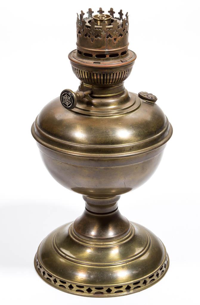 PRE-ALADDIN PRACTICUS NO. 3 BRASS KEROSENE STAND LAMP
