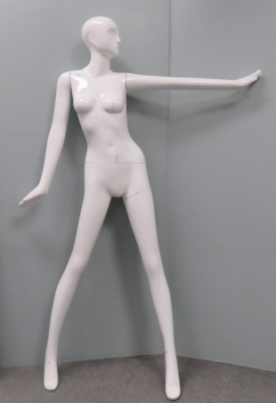 FEMALE MANNEQUIN. HEIGHT 70
