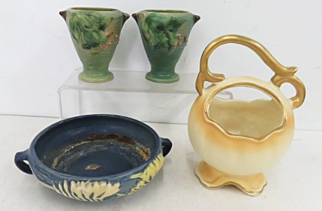 LOT INCLUDING ASSORTED ROSEVILLE/WELLER POTTERY