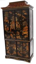 DREXEL REGENCY STYLE CHINOISERIE DECORATED CABINET ON BASE. HEIGHT 85