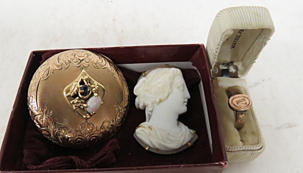 LOT VINTAGE JEWELRY INCLUDING ANTIQUE CARVED SHELL CAMEO, YELLOW GOLD FRIENDSHIP RING (TESTS 10K), GOLD FILLED WATCH CASE LID CONVERTED TO BROOCH