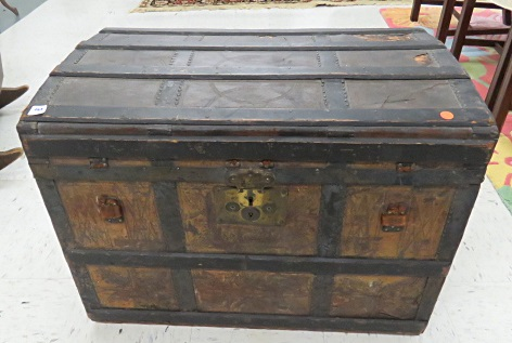 ANTIQUE OAK AND METAL BOUND STEAMER TRUNK