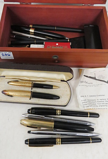 LOT INCLUDING (14) ASSORTED VINTAGE FOUNTAIN PENS/PENCILS INCLUDING SHEAFFER'S PFM IV AND AUTOGRAPH; DELUX TUCKAWAY SET; MONT BLANC AND CROSS WITH LANE SALESMANS SAMPLE CEDAR CHEST