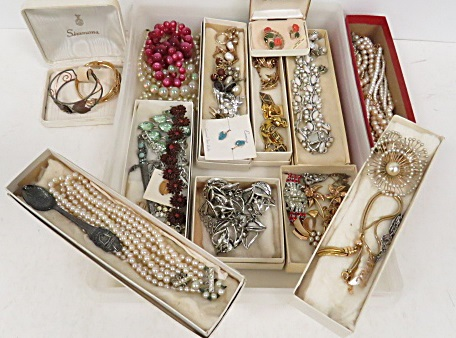 LOT ASSORTED COSTUME JEWELRY AND ROLEX BUCHERER SOUVENIR SPOON