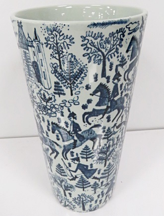 MID-CENTURY MODERN BLUE AND WHITE SCENIC DECORATED PORCELAIN VASE, SIGNED, MODEL DEK 177. HEIGHT 8 1/4
