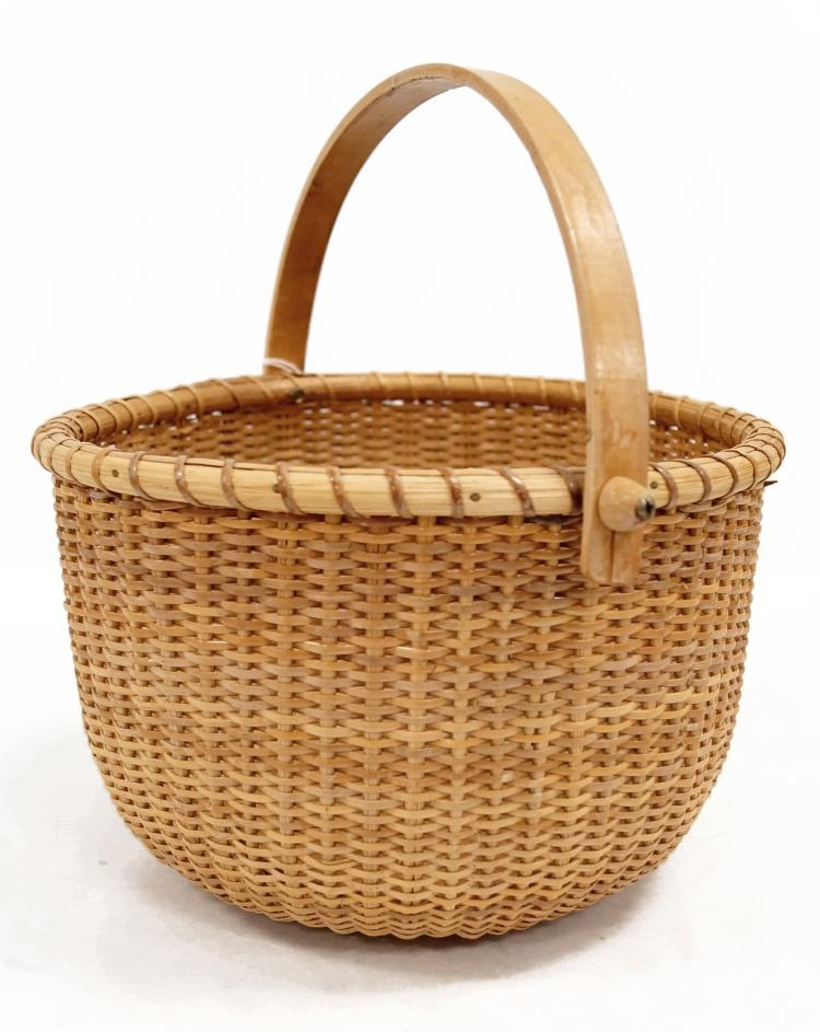 NANTUCKET SWING HANDLE BASKET. HEIGHT 5 1/2