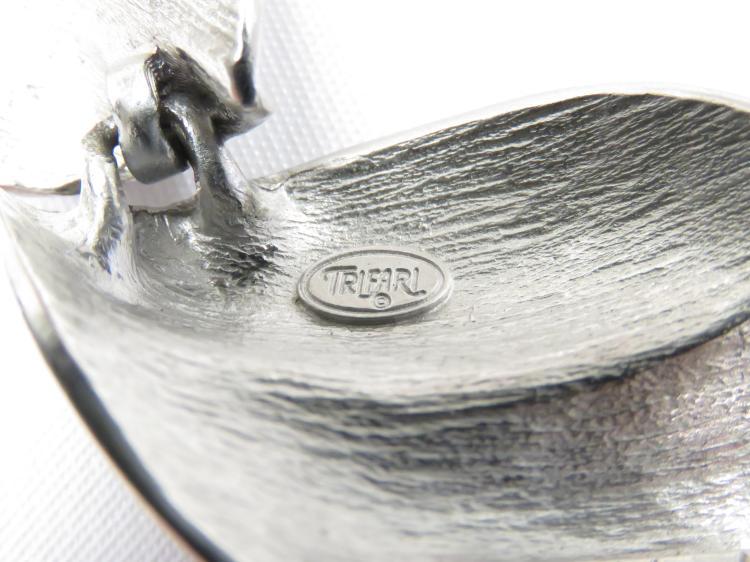 Trifari brooch vintage catalogue