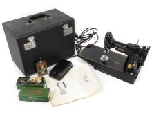 VINTAGE SINGER FEATHERWEIGHT MOD 221 PORTABLE ELECTRIC SEWING MACHINE WITH CASE AND DIRECTIONS