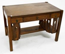 ANTIQUE ARTS AND CRAFTS STICKLEY STYLE OAK DESK. HEIGHT 28 1/2