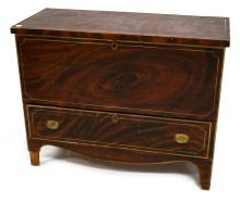 FINE GRAIN PAINTED SINGLE-DRAWER BLANKET BOX, 19TH CENTURY. HEIGHT 32
